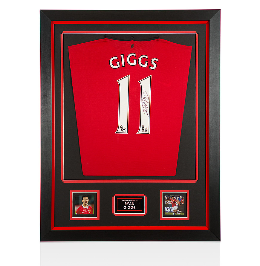Framed Ryan Giggs Signed Manchester United Shirt - 2013 ...Ryan Giggs 2013 2014